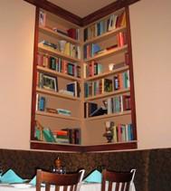 George's Chophouse bookshelf